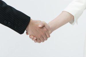 エンジニアとエージェントの握手